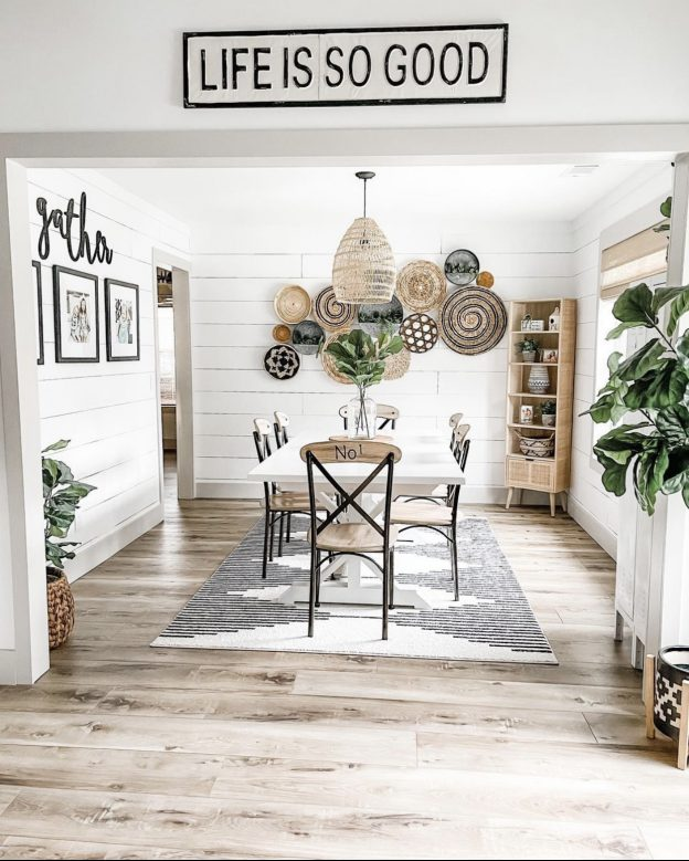 designers love bamboo shades _ photo credit @farmhousetofrills