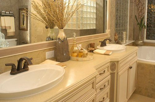 Cleaning tips for bathroom countertops for Bathroom counter decor