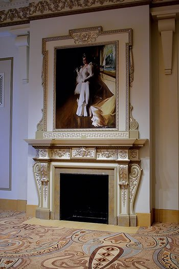 mantle decor using stencile and painting