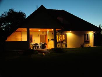 Residential outdoor lighting guide for Exterior lighting design guide