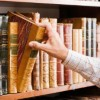 Homeowners can organize their book collectons by subject, alphabetically or by color.